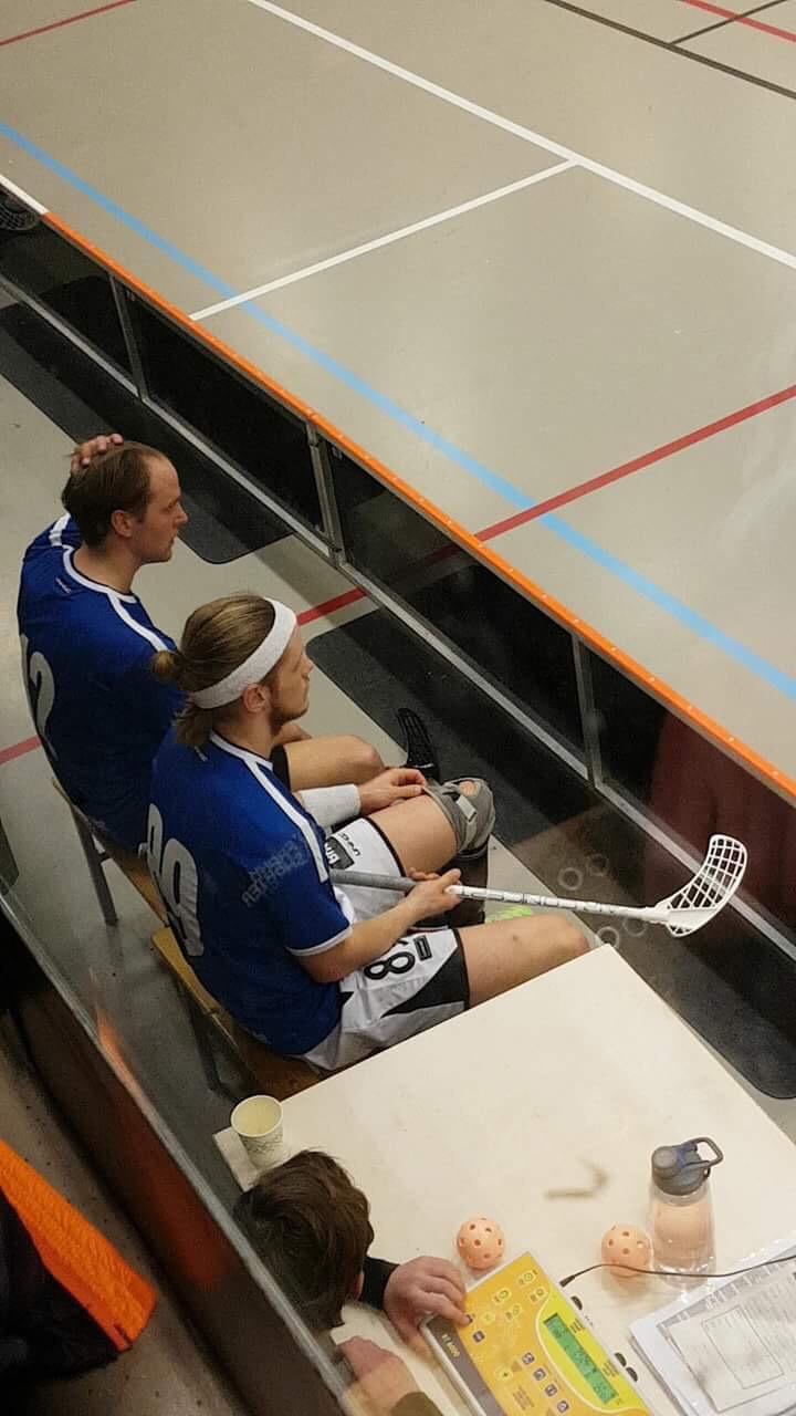 IKA og Tunet kjørte over sine motstandere i dagens kvartsfinaler.