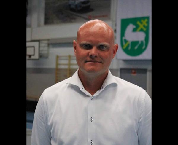 Assistent trener i Järfella
