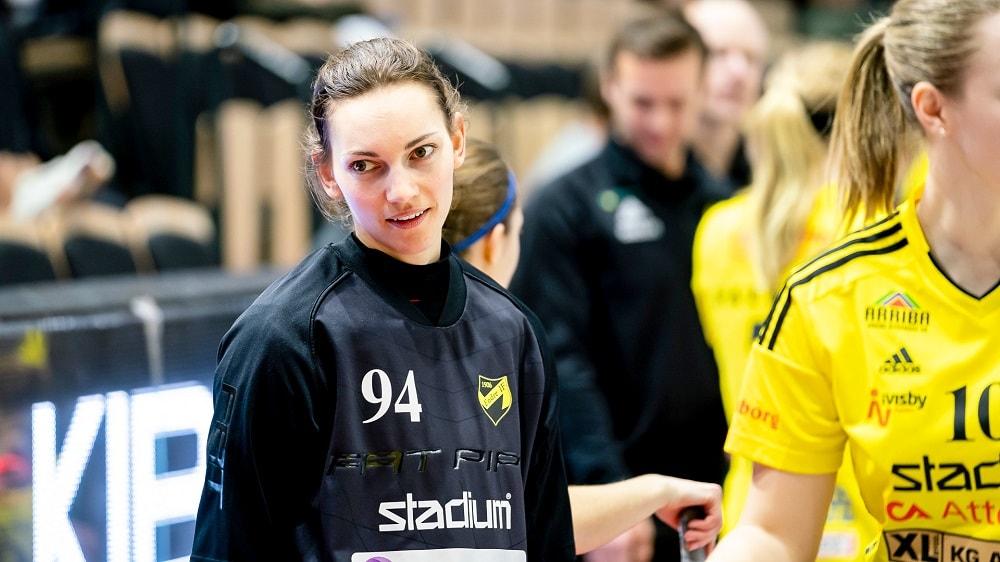 Thea Ekholt fortsetter i Sverige